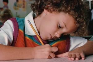 ребенок-учится-писать1